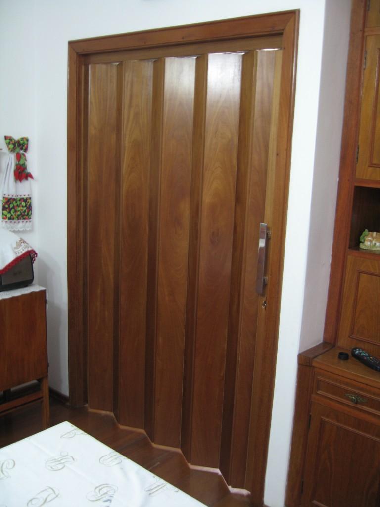 Portas Sanfonadas De Pvc Em Goi Nia Onde Encontrar Cortinart ~ Porta Sanfonada Para Cozinha